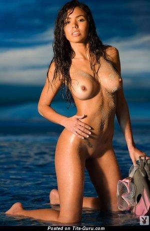 Francesca Frigo - Elegant Venezuelan Brunette with Elegant Naked Average Hooters (Xxx Pix)