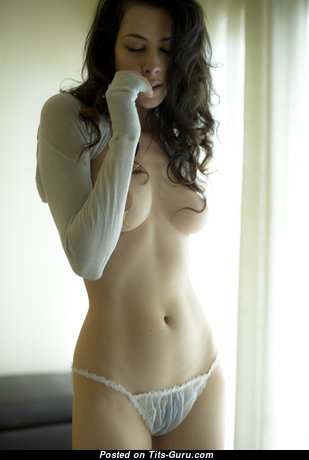 Superb Undressed Babe (Porn Pic)