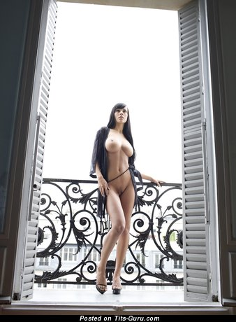 Nude awesome woman pic