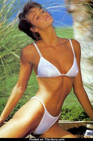 Elle Macpherson - Handsome Wet & Non-Nude Australian Blonde Babe with Handsome Real Chest & Sexy Legs in Bikini (Hd Xxx Pix)