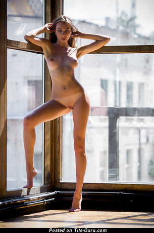 Pleasing Blonde Babe with Pleasing Nude Real Paltry Busts (Hd Porn Pix)