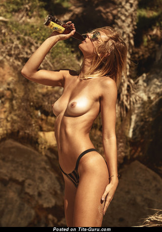 Callie Cattaneo - Charming Undressed Actress (Hd 18+ Image)