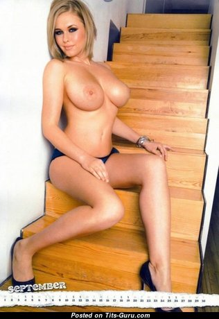 Ига - Sexy Brunette with Sexy Nude C Size Melons (Xxx Pix)