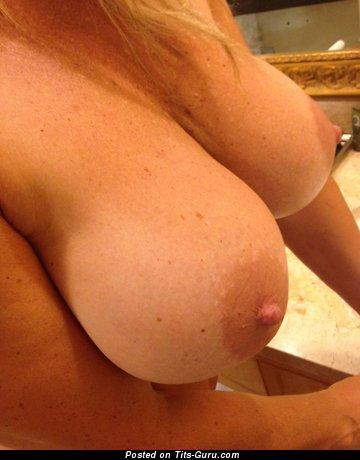 Naked hot lady image