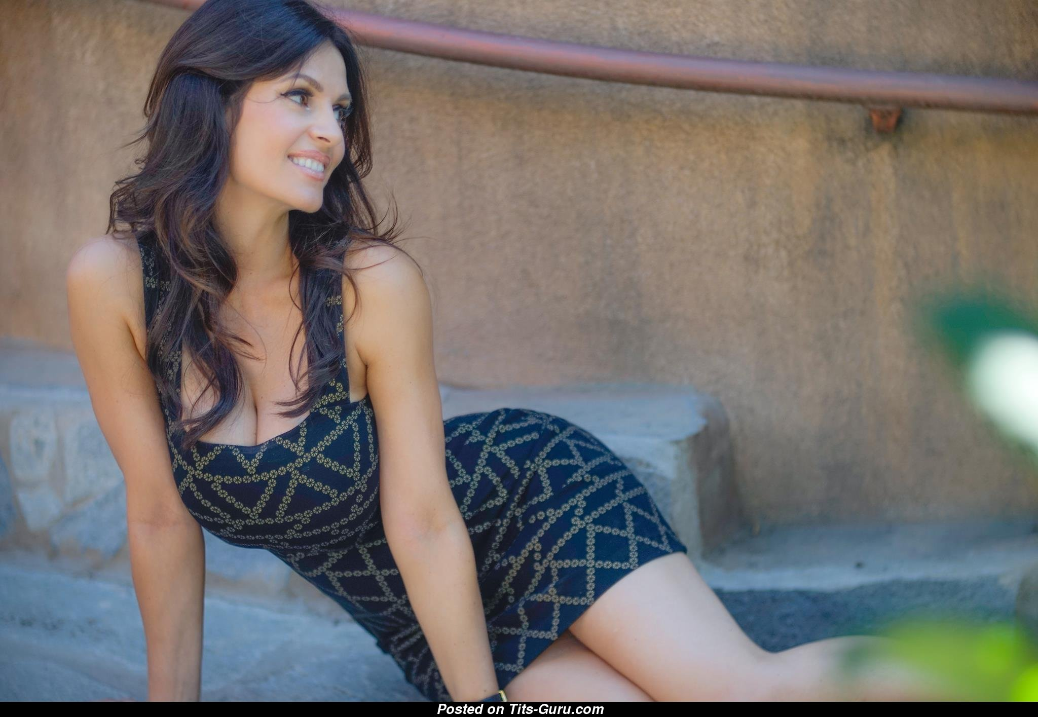 Denise Milani - Non-Nude Dame With Natural Big Sized