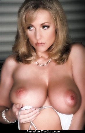Danni Ashe - Grand Topless American Blonde Babe & Pornstar with Grand Bare Real Average Titties & Inverted Nipples (Vintage Sex Image)