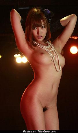 Изображение. Kirara Asuka - картинка сексуальной обнажённой азиатки с среднего размера натуральными дойками