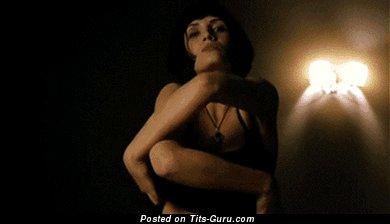 Elia Galera - gif умопомрачительной обнажённой брюнетки латиноамериканки с натуральными дойками