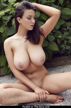 Amazing Topless Brunette Babe with Amazing Exposed Real Very Big Boobys & Long Nipples (Porn Pic)