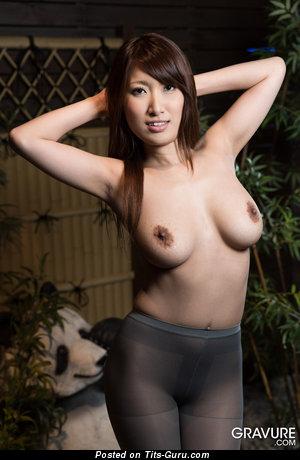 Изображение. Yume Mitsuki - картинка шикарной обнажённой азиатки с большими натуральными сисечками