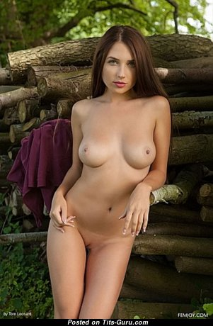 Stunning Babe with Stunning Open Real Med Busts (Hd Sexual Image)