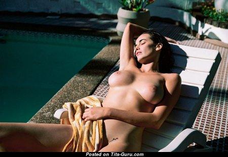 Sarah Stephens - Nice Wet Nude Australian Brunette Babe in the Pool (Sexual Image)