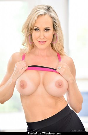 Brandi Love - Cute Topless American Blonde Pornstar, Actress, Babe & Mom with Cute Bald Normal Boobie & Erect Nipples is Undressing (Porn Pic)