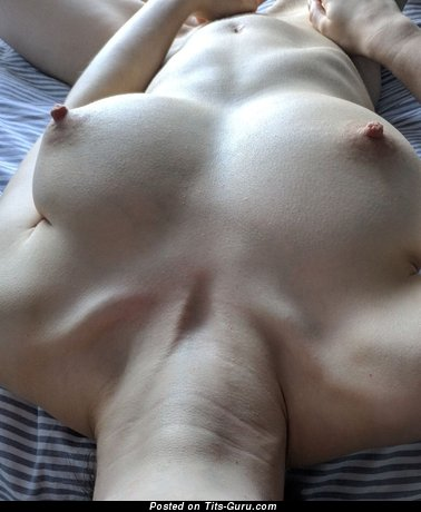 Grand Naked Doxy with Inverted Nipples (Xxx Pix)