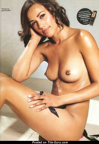 Norin Kelly - Hot Brunette Babe with Hot Exposed Natural Medium Balloons (Sexual Foto)
