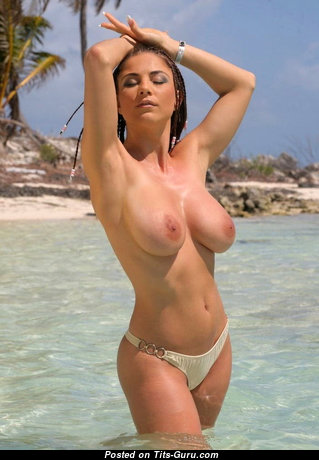 Stunning Babe with Stunning Bald Natural Tight Jugs (18+ Photo)