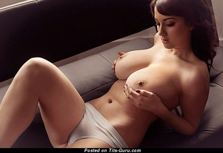 Naked beautiful female with big natural tittes pic