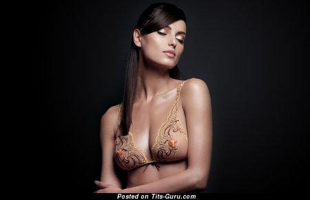 Image. Catrinel Manghia - naked hot female with big boob pic
