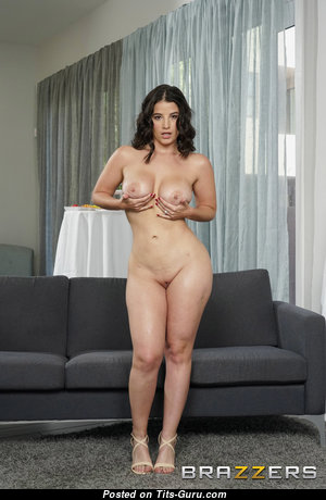 Lasirena698 - Nice Naked Bimbo is Undressing (Hd Xxx Picture)