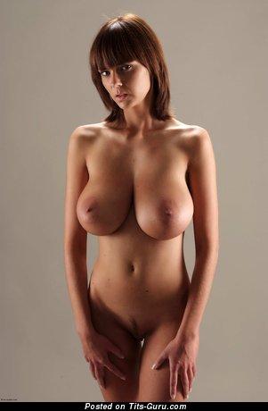 Karin Spolnikova Aka Gabrielle - sexy naked brunette with big tittys photo