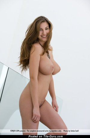 Connie Carter - nude nice woman with big natural boob pic