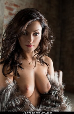 Alexandra Tyler: naked brunette with natural boob photo