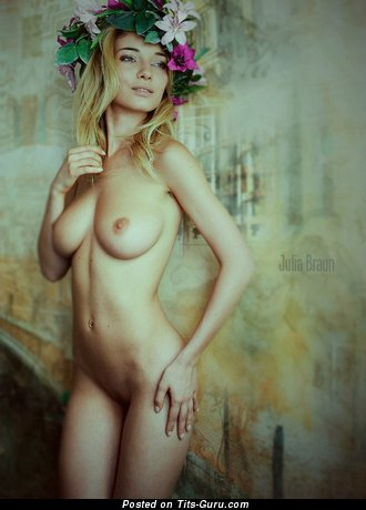 Image. Naked hot woman with medium natural boob pic