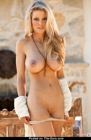 Jami Ferrell - Dazzling American Playboy Girl with Dazzling Bare Natural Medium Sized Tittys (Hd Xxx Picture)