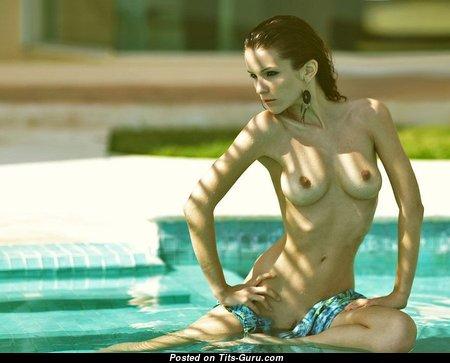 Sexy Nude Babe (Porn Photo)