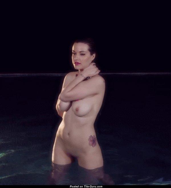 Изображение. сиськи фото: средние сиськи, натуральная грудь, эротические гифки