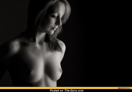 Image. Naked nice lady with medium natural breast picture