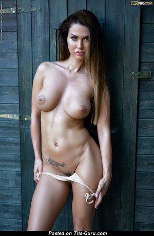 Fascinating Naked Brunette (Hd Porn Image)