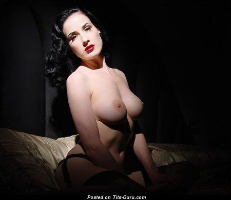 Dita Von Teese - Exquisite American Bimbo with Exquisite Nude Natural C Size Chest (Xxx Image)