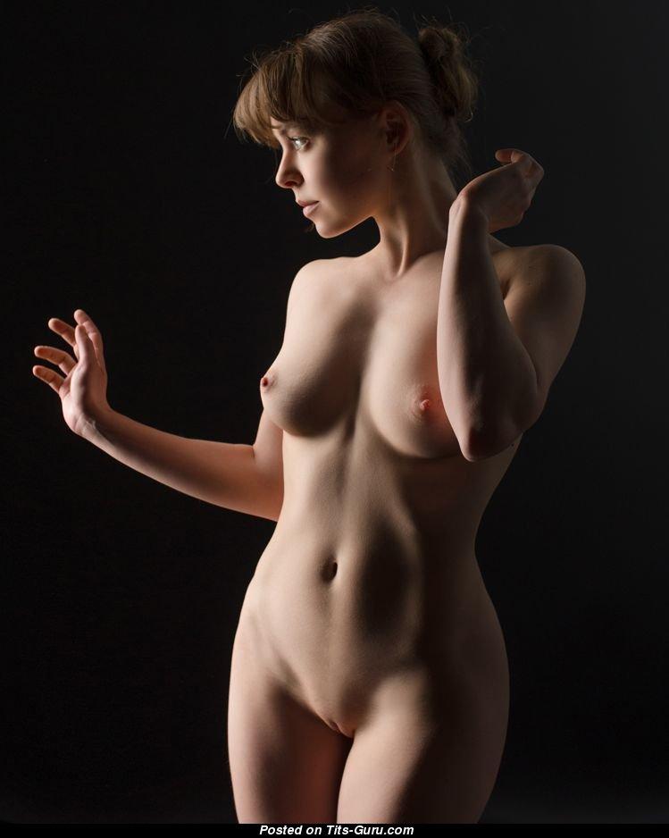 art-fotogalerei-golih-devushek