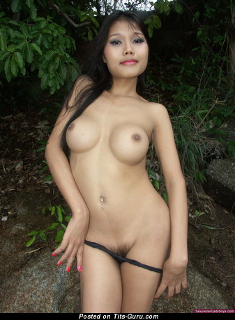 Naked asian with medium tittes image