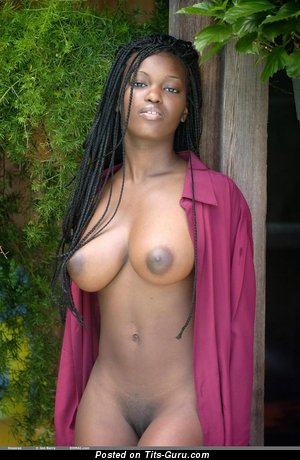 Image. Deserea - naked ebony with medium natural boobies and big nipples pic