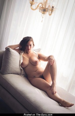 Lillias Right - Elegant American Lassie with Elegant Open Natural Med Busts (18+ Photo)