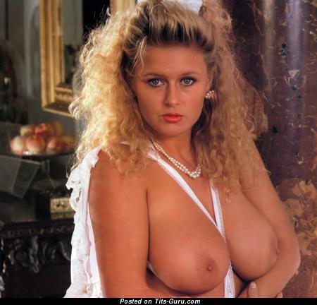 Lu Varley - изображение шикарной обнажённой блондинки