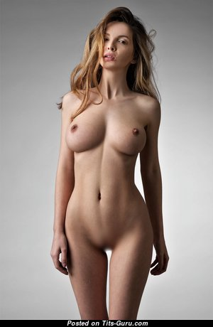 Cute Glamour & Topless Blonde with Enormous Nipples (Hd Xxx Picture)