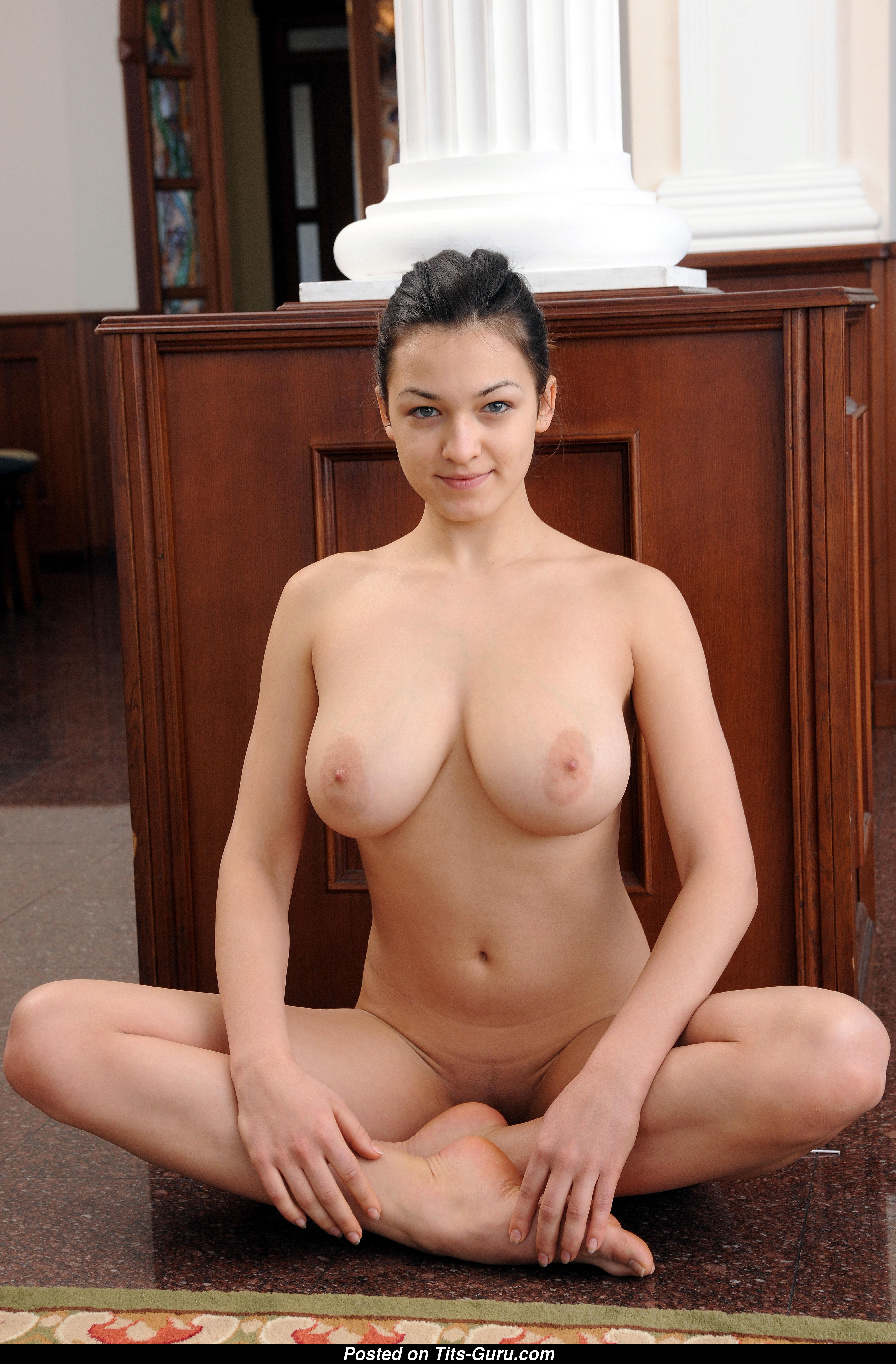 Nice boobs though bouncing boobs