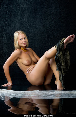Sarika - Superb Blonde with Superb Bald Real Soft Tits (Hd Sexual Photo)