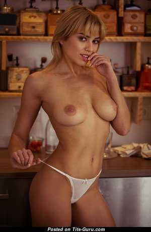 The Nicest Glamour & Topless Blonde with Erect Nipples (Hd Xxx Pix)