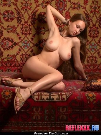 Image. Naked amazing female with big natural tittys picture