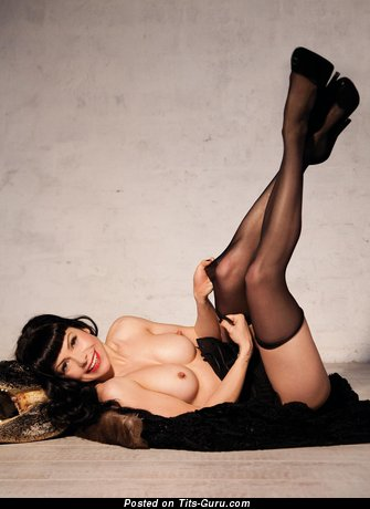 Image. Nude awesome female with natural tittes image