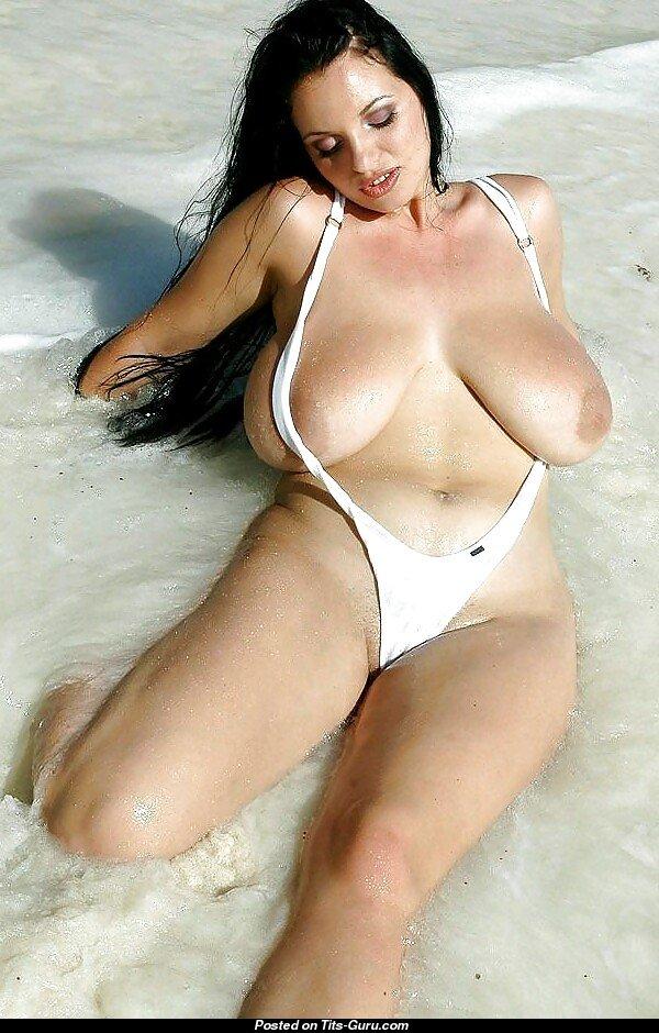 Alicia Lorén  nackt