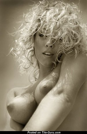 Image. Awesome lady with big natural tittes pic