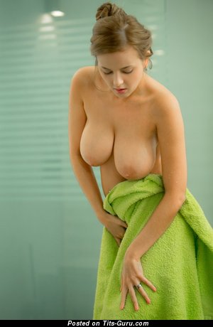 Candy Alexa - nude wonderful female with big natural boob picture