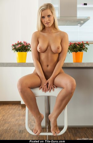 Image. Marry Queen - sexy topless blonde with medium natural tots pic