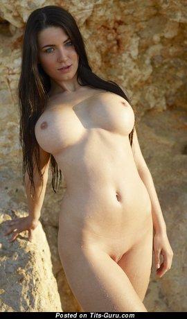 Image. Yara - nude nice woman with big boobies pic