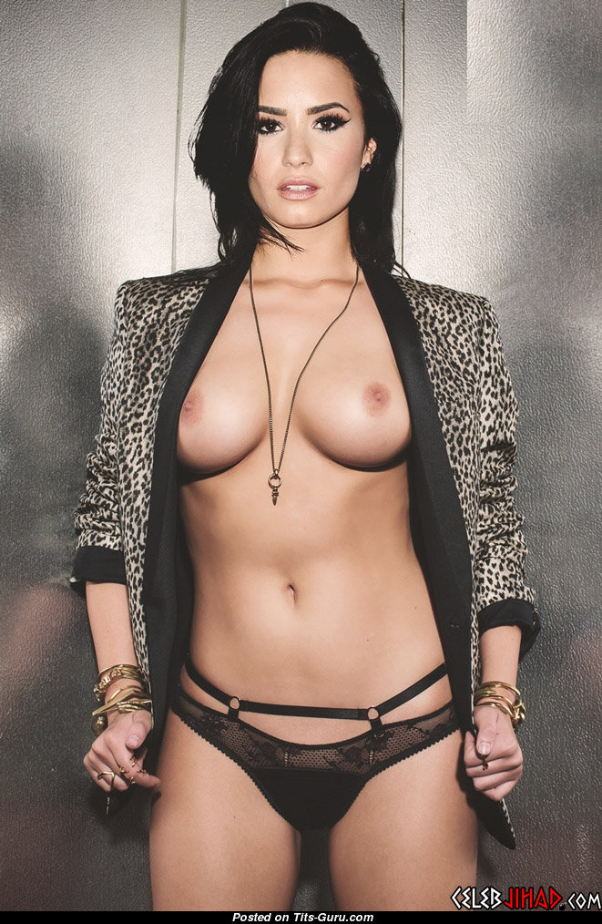 Demi Lovato Fine Topless American Brunette Actress Singer With The Best Nude Real Regular